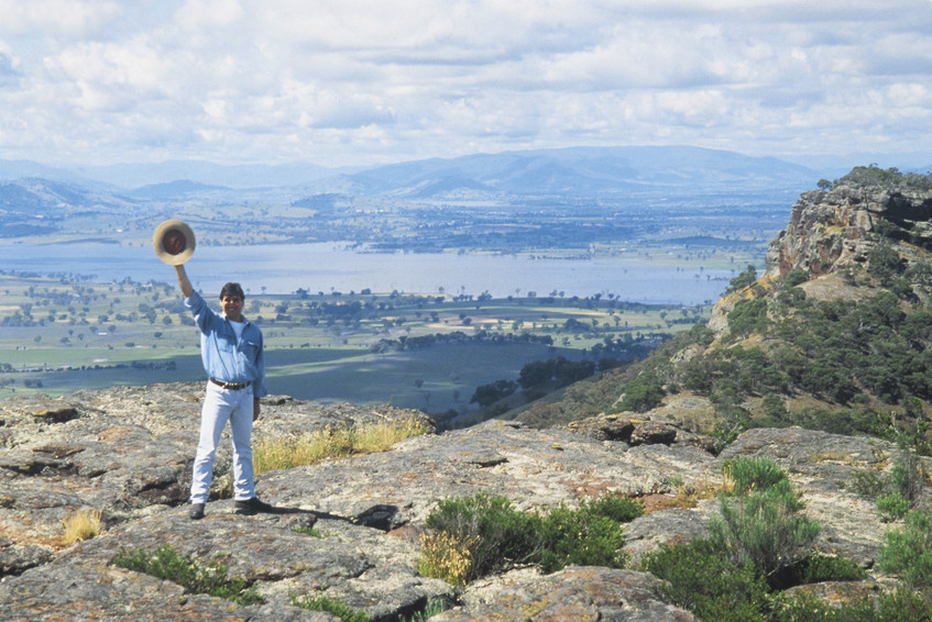 Table Top Mountain -The Murray: a great place to visit in New South Wales.  Image © Destination NSW. This photo sponsored by Building Contractors Category.