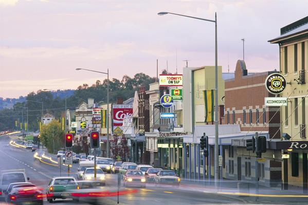 Wagga Wagga main street: a great place to visit in New South Wales.  Image © Jon Armstrong; Destination NSW. This photo sponsored by Ceiling Contractors Category.